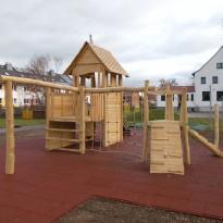 Spielplatz mit Kletteranlage - Spielplatzhersteller Naturholz Kästner
