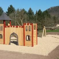Abenteuerspielplatz, Spielburg mit Rutsche - Spielplatzhersteller Naturholz Kästner