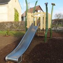 Spielanlage mit Rutsche aus Edelstahl - Spielplatzhersteller Naturholz Kästner