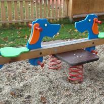 Spielgerät: doppelte Federwippe für Kleinkinder - Spielplatzhersteller Naturholz Kästner