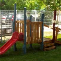 Spielplatz mit Rutsche für Kleinkinder - Spielplatzhersteller Naturholz Kästner