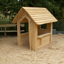 Spielplatz, Spielhaus für Kleinkinder - Spielplatzhersteller Naturholz Kästner