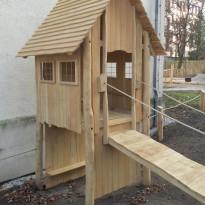 Stelzenhaus - Spielhaus - Spielplatzhersteller Naturholz Kästner