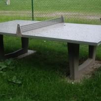 Tischtennisplatte aus Stein für Spielplatz wetterbeständig - Spielplatzhersteller Naturholz Kästner