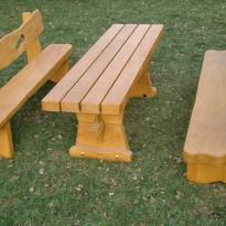 Tischler: Herstellung Sitzbank mit Tisch aus Massivholz - Spielplatzhersteller Naturholz Kästner