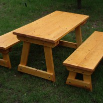 Herstellung Sitzbank und Tisch wetterfest aus Massivholz - Spielplatzhersteller Naturholz Kästner