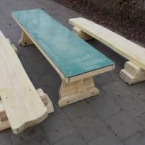 Herstellung Sitzbank, Tisch mit Schultafel aus Massivholz - Spielplatzhersteller Naturholz Kästner