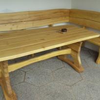 Herstellung: Eckbank und Tisch aus Massivholz - Spielplatzhersteller Naturholz Kästner