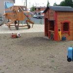 Spielplatz aus Holz mit Flugzeug Baumhaus Mischka, Spielhaus aus Holz - Spielplatzhersteller Naturholz Kästner