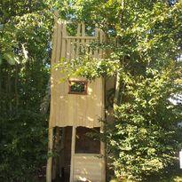Baumhaus Lücker - Spielplatzhersteller Naturholz Kästner