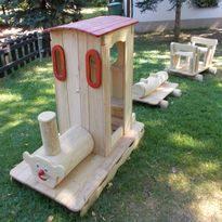 Spielplatz für Kleinkinder - Spielanlage Eisenbahn aus Holz